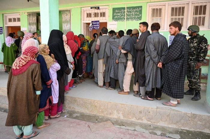 Who won in Kashmir state in Indian elections?