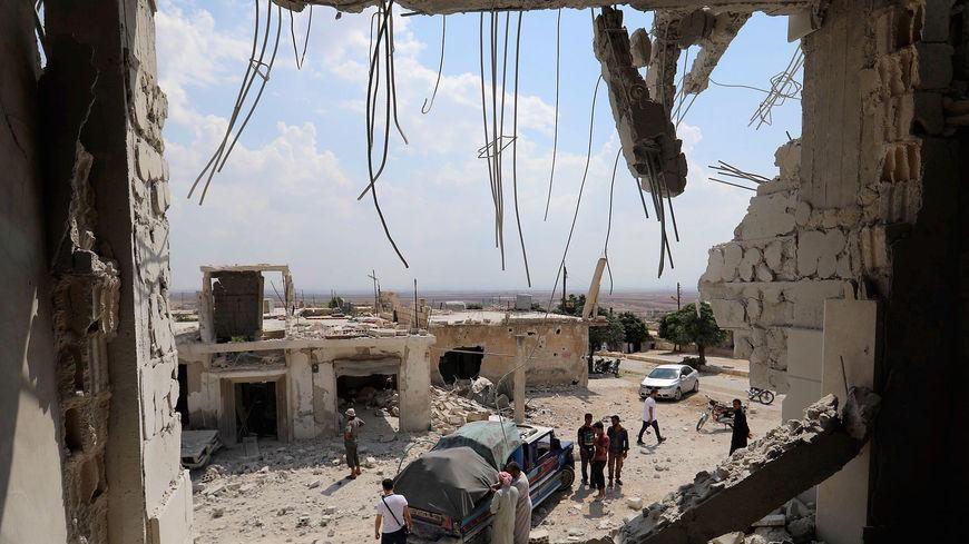Air strike in Syria kills 18