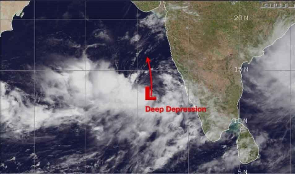 Cyclone Vayu, heat wave expected for Karachi