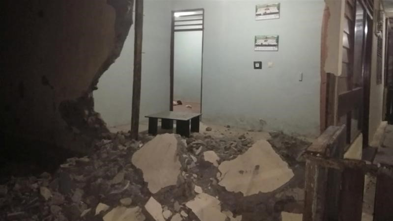 Earth quake and aftershocks hit Indonesia