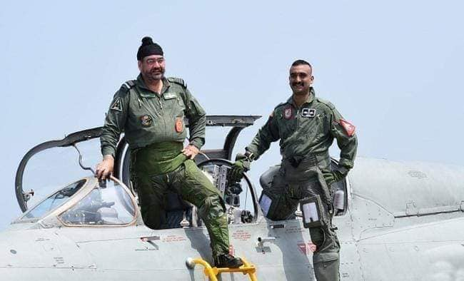 IAF's Air Chief B.S Dhanao flies on MIG-21 with Abhinandan