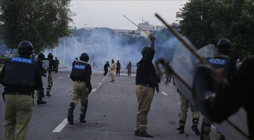 Anti-government protesters call off Islamabad sit-in