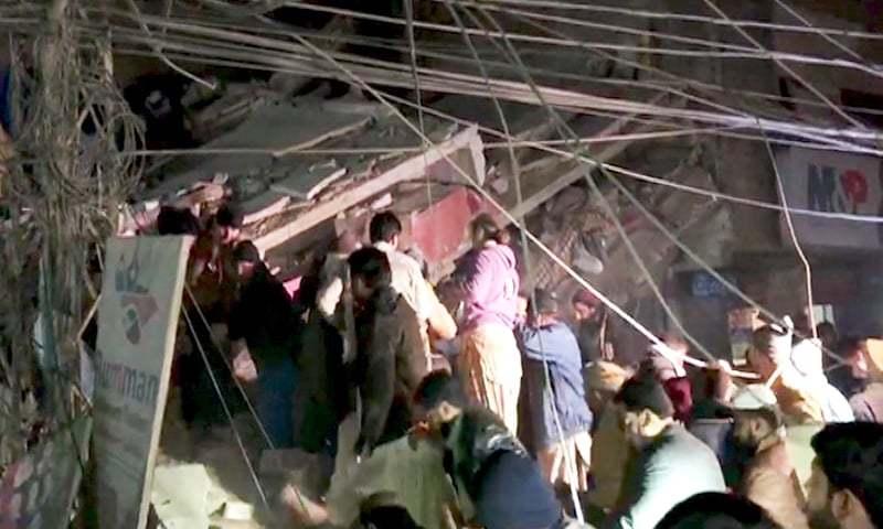 Four storey building collapsed in Sukkur